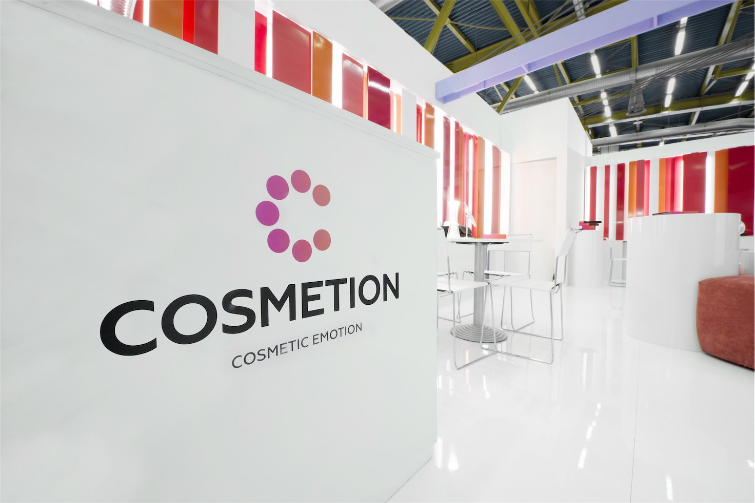 Cosmetion Stand
